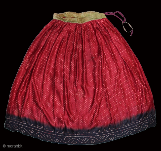 Aba Silk Skirt Bandhani (Bandhej) work from Banni kutch Gujarat India early 20th century.Its size is L 85c.m x R 210c.m(DSC01120).