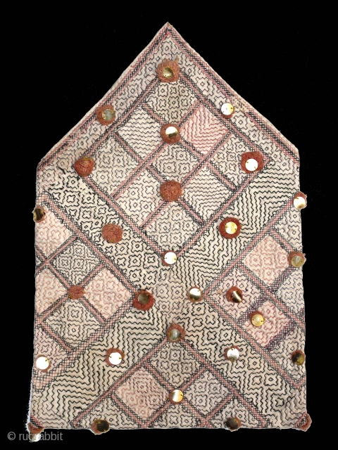Dowry Bag Quilted Embroidery From Thatta Sind Pakistan India.Circa.1930.Its size is 27cm x 42cm.(DSL03770).