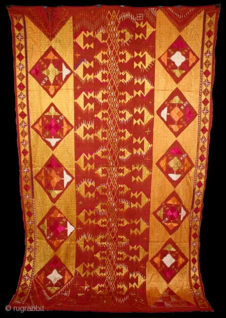 Sarpallu Phulkari from East (Punjab)India called As Sarpallu(Patang Design).Proper Shahkot Moga District of Punjab India.One of the rare design in Indian Phulkari.Its size is 220cm x 140cm.(DSE01970).