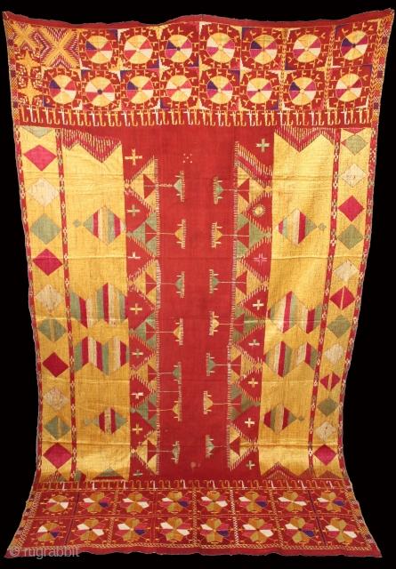 Sarpallu Phulkari from East (Punjab)India called As Sarpallu. One of the rare design in Indian Phulkari.(DSE01330).
