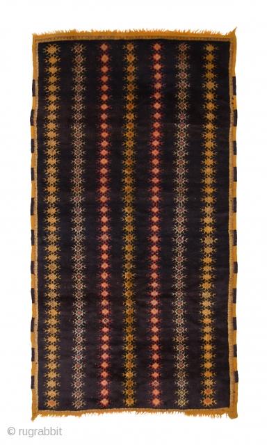 TM 1537, very fine pile rug from the Zenaga, Jebel Siroua region, southern Morocco, 1930s, 250 x 140 cm (8' 4'' x 4' 8'').  www.berber-arts.com