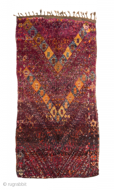 tm 2032, Beni Mguild pile rug with a rare version of a classical design, central Middle Atlas, Morocco, 1930s/40s, 375 x 195 cm (12' 4'' x 6' 6''). www.berber-arts.com