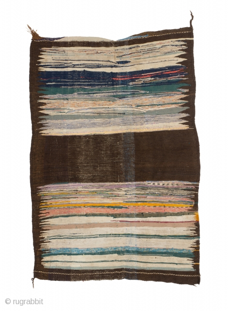 tm 1962, kilim made from a mixture of goat hair + rag material, Jebel Siroua region or Pre-Sahara, southern Morocco, 1980s, 205 x 140 cm (6' 10'' x 4' 8''). 