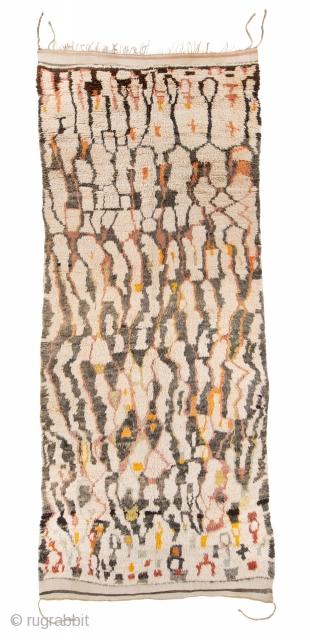 TM 1932, unusually fine + highly rare rug from the Ait Seghrouchène du Sud, Ait bou Ichauen, eastern High Atlas / plateau du Rekkam, Morocco, 1960/70s, 450 x 195 cm (14' 10''  ...