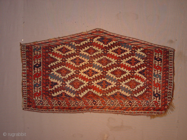 fabulous natural colors, wonderful wool quality,  wonderful pattern, it has some side damage as is clear in photos, yet ... amazingly beautiful 126x69cm 4.2x2.3ft