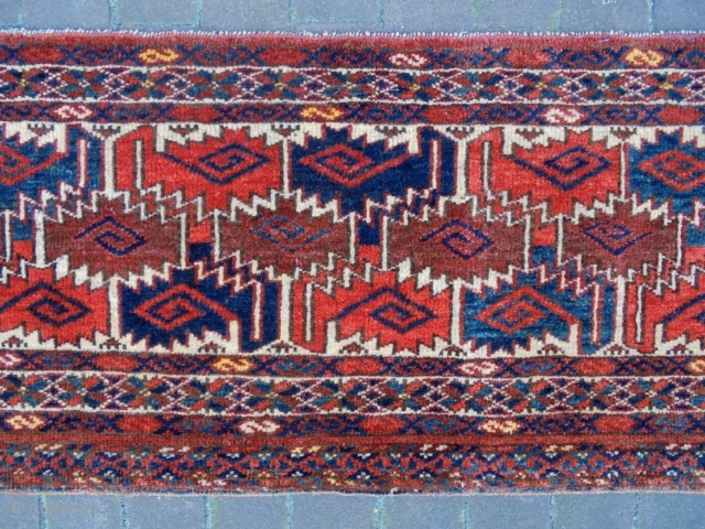 Fine Universal Turkmen Penjerelik Size: 153x34cm Made in period 1910/20