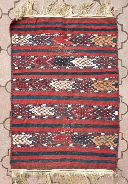 Antique Turkmen Yomud-group kilim flatweave. Vibrant all natural colors. Measures 117x79 cm.