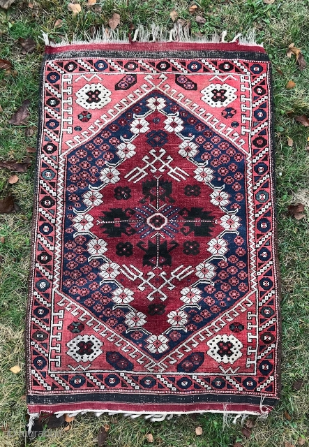 Anatolian Kiz Bergama village rug. Size is 94x143 cm.