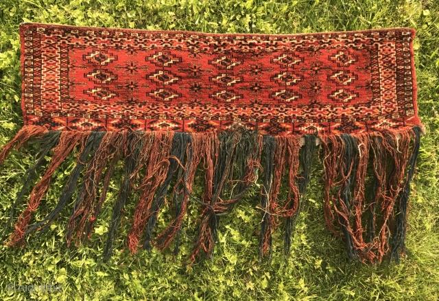Antique Turkoman Tekke 15 gul torba or mafrash. In mint condition, complete with original tassels and all natural dyes. Miniature version of main gul and secondary chemche. Size is 25x88 cm (excluding  ...