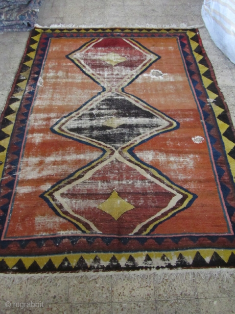 Bakhtiari gabbeh feragment Size:310x235 cm.it is washed