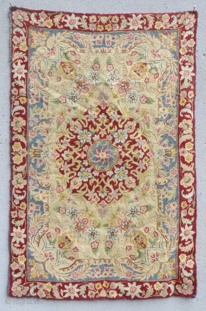 Very fine Isfahan Crocheting,wool on hemp 1900 circa size 90x60cm