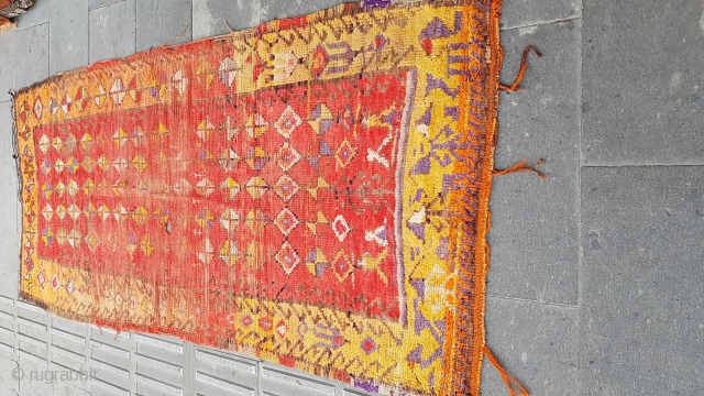 Size : 103 x 220 (cm),  Middle anatolia (cappadocia), Over 100 years old , primitive rug !