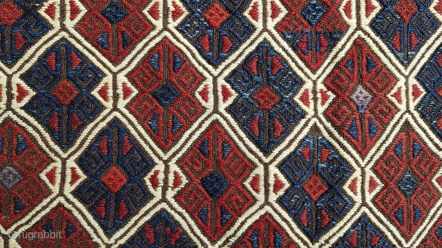 Size :70x105 (cm),