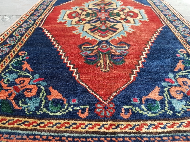Size : 50 x 105 (cm) 
