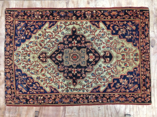 Beautiful antique small Fereghan carpet,Very good condition,absolutely original condition. 