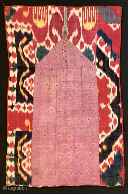 Antique Uzbek Adras Ikat prayer mat textile from rural areas around Bukhara. This original textile dating to 19th century is quite interesting Central Asian textile. It is made up of silk warp  ...