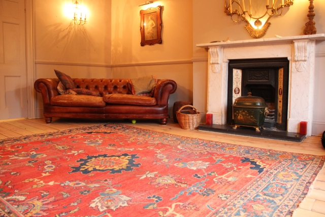 Please buy antique rugs, not modern ones. Happy to help!