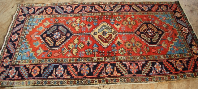 "Heriz rug 3'2"" x 6'7"" / 97 x 182cm Pretty colours, clean, generally good pile but with a small amount of tinting, see pic 3 for all such tint."