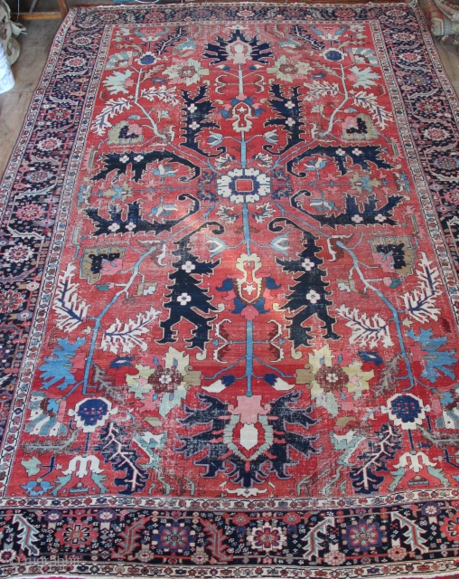 "Superior Serapi carpet, late 19th century, 10'10"" x 15'8"""