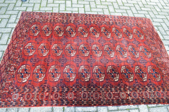 Beautiful Tekke Rug secondhalf 19th century , superb velvety wool and 100% natural colors.