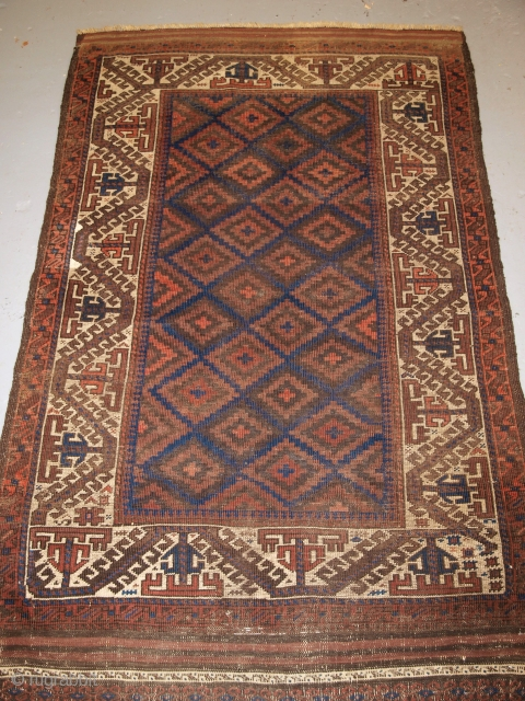 Baluch rug with ivory 'boat' border, long kilim ends, size: 163 x 106cm. www.knightsantiques.co.uk  D-0127.