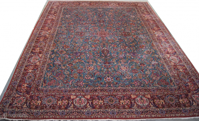 Persian Kashan, c. 1920. 11 x 14.5 ft (330 x 435 cm), mint condition.