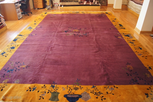 Chinese Art Deco, c. 1920. 11 x 17 ft (330 x 510 cm), some low areas.