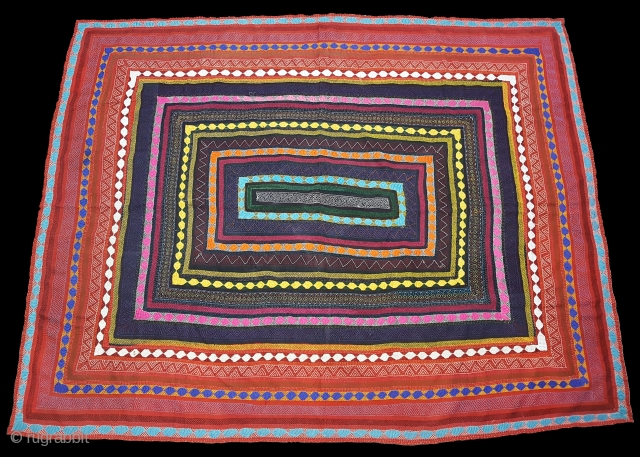 Quilt(Ralli)of Snake Charmer's of the Sami Faqir From Sindh Region of Pakistan. India .Perfect example of the quilting.condition is Perfect.Its size is 170cm x 220cm(152256).