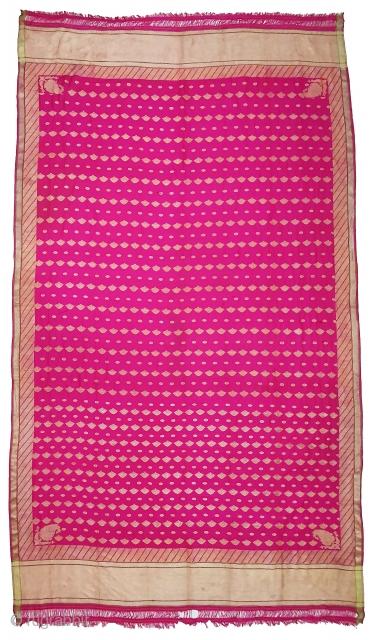 A Very Large Dupatta handwoven fuchsia silk with zari (Real Silver with Gold Polish) from Varanasi, Uttar Pradesh , India. c.1900. Good condition. Its size 175cmX315cm(20200715_152414).