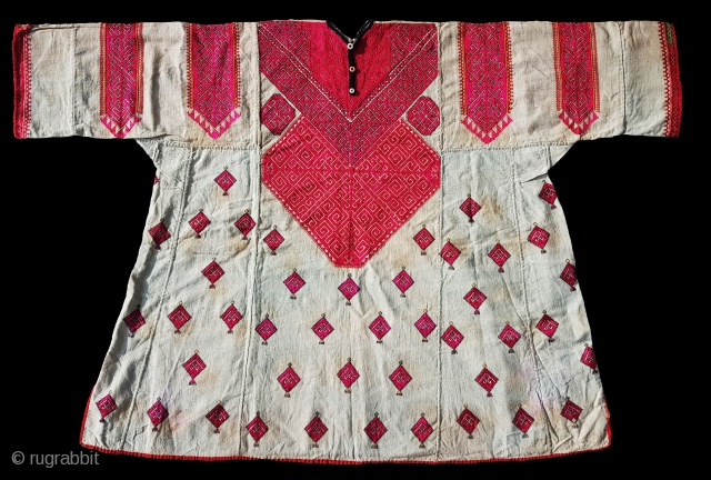 Woman's Embroidered Kurta(Shirt),From Swat Valley of Pakistan.The Natural cotton field with Floss-Silk embroidery(DSC0092556 New).