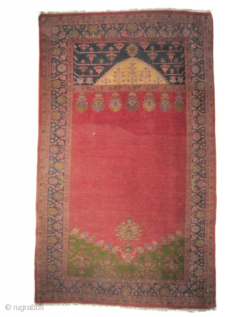 This particular piece is made as an example by Mahal weavers to show to Ziegler company located in Manchester their quality and to start a long term business.