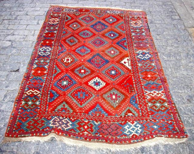 Yoruk Rug, Turkey, late 19th. century, size: 4'3 x 6'9 (100 x 205)