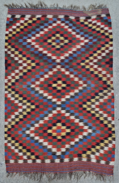 Qashqai Kilim with Fine Weave, Wonderful Clear natural colors and Nice small size - 4'4 x 6'8 - 132 x 203 cm.