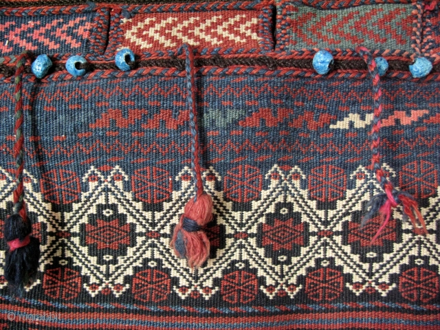 Afshar large cargo bag, great condition and colors with original beads on it.