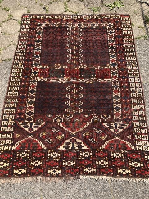 Antique Turkmen Kizil Ayak Ensi from the 19th century.