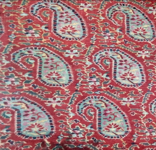 Exceptional antique kashmir jamavar shawl circa 1800 In very good condition. Fine colours Some  of moth holes but easy to repair. Size 8.5 feet long and 4 feet wide