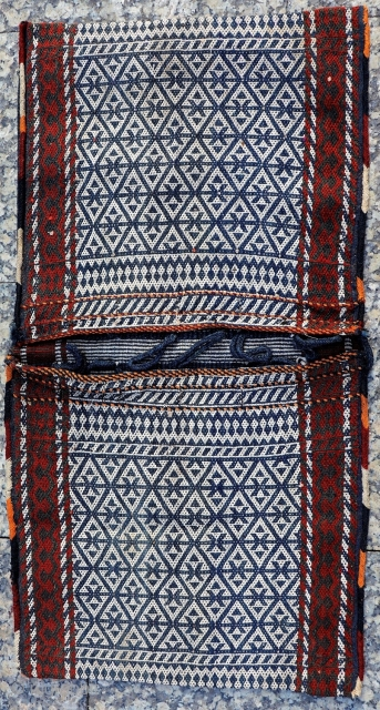 Fine woven Qashqai Darreshuri saddlebags with the warp-float patterning technique. Naturaldyes. In good condition including the closing loops and the side cords. 102x52 cms (AT2836).  Please enquiry or buy directly from our web:  https://nomada.biz/en/home/1599-qashqai-darreshuri-saddlebag-from-iran-102x52-cms.html