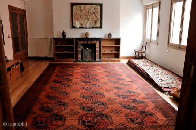 Big Suleimani Turkman Afghan rug from the end of 19th Century or beggining of 20th Century. This rug has a very balanced and elegant design on a lovely terracotta background, made of  ...