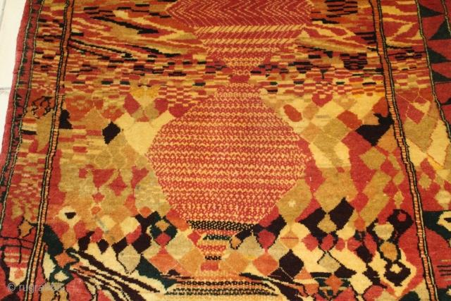 Very Unusual Bakhtiayri rug size 180x90 cm circa 1940 perfect condition.