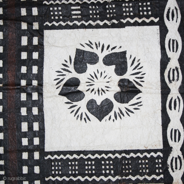 "Tapa barkcloth ""Masi"" cod. 0686. One of the items from my website www.nonplusultra.cloud. Polynesia. Tree bark beaten. Circa mid. XX° century. Cm. 68 x 240. Very good condition. The piece has been  ..."
