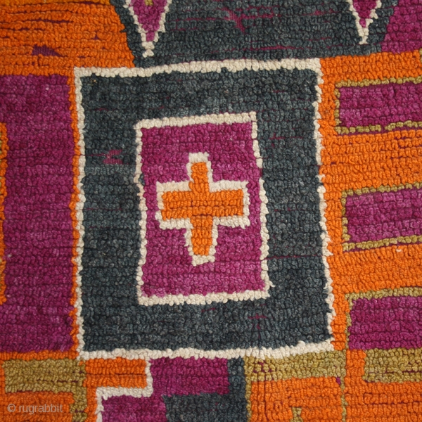 "Pile carpet ""Tarashna"" cod. 0598. One of the items posted on my new website www.nonplusultra.cloud. Wool. Ait Bou Ichaouen people. Eastern Morocco. Circa 1940. Cm. 150 x 300 (4'11""x9'10""). Good condition with  ..."