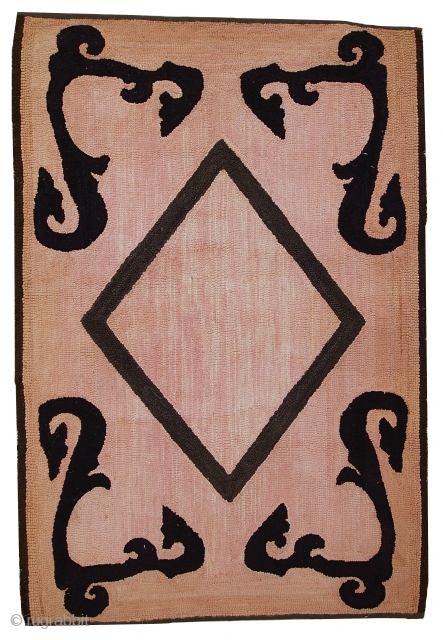 #1C79  Hand made antique American hooked rug 2,7' x 4,2' ( 82cm x 130cm ) C.1920s