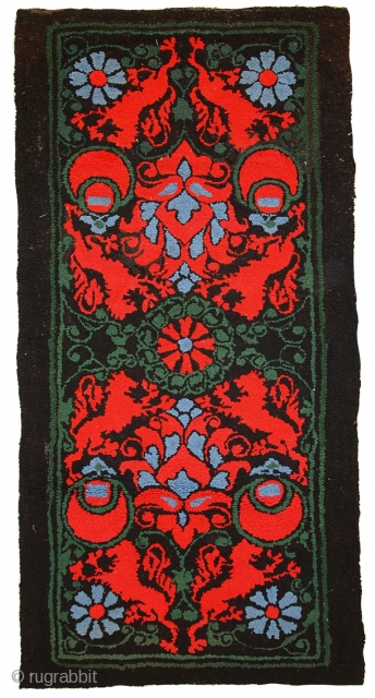 #1C343  Handmade antique American hooked rug 2,6' x 5,7' ( 81cm x 176cm ) 1930.C