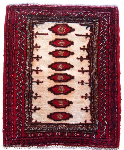 #1C203  Hand made vintage Turkoman rug 2.1' x 2.5' ( 64cm x 76cm ) C.1970