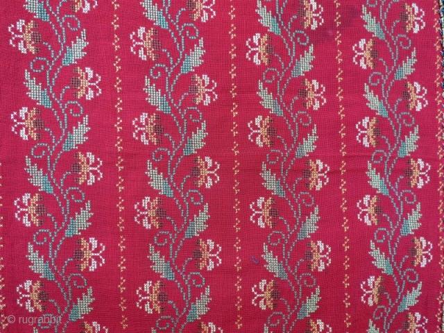 Greek Silk embroidery in good condition .145 x 40 cm. www.eymen.com.tr