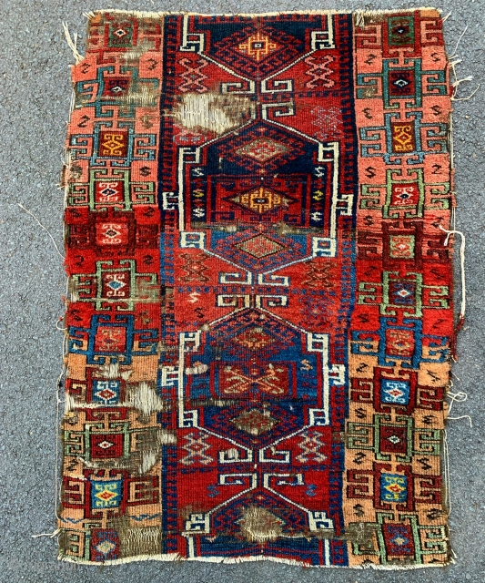 Lovely early 19th century anatolian kurdish fragment. 142x100 cm.