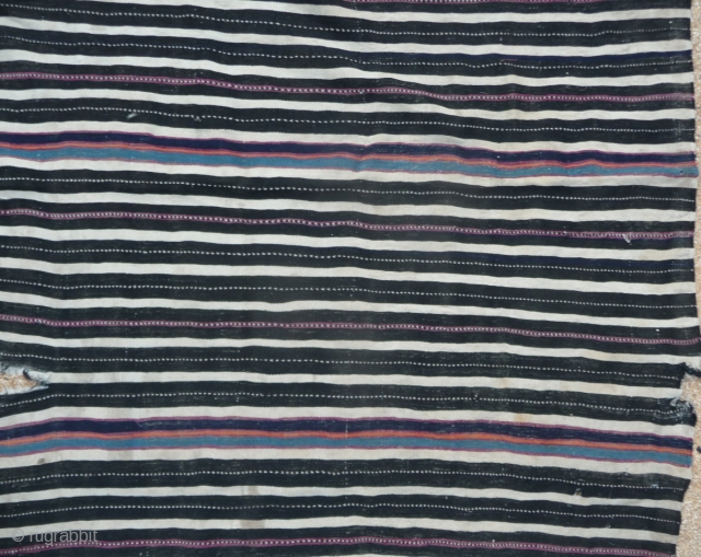 plesae check, i just added a main view of the tibetan stripes cover. Here a super fine handira from possibly the ait hadiddou from the high atlas of marocco. it is super finely  ...