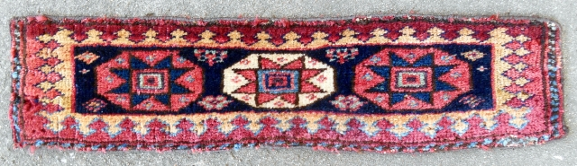 """Rare Southwest Persian pile """"spoon"""" bagface/trapping (23""""x 6""""). 19th c. Very good condition."""
