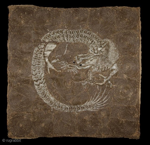 Dragon embroidery, gold and silver, 50x48cm. 1700-1800.