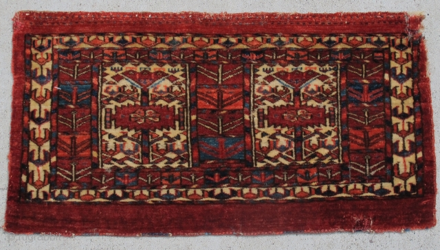 Tekke mafrash or kap, complete with flatwoven back. 